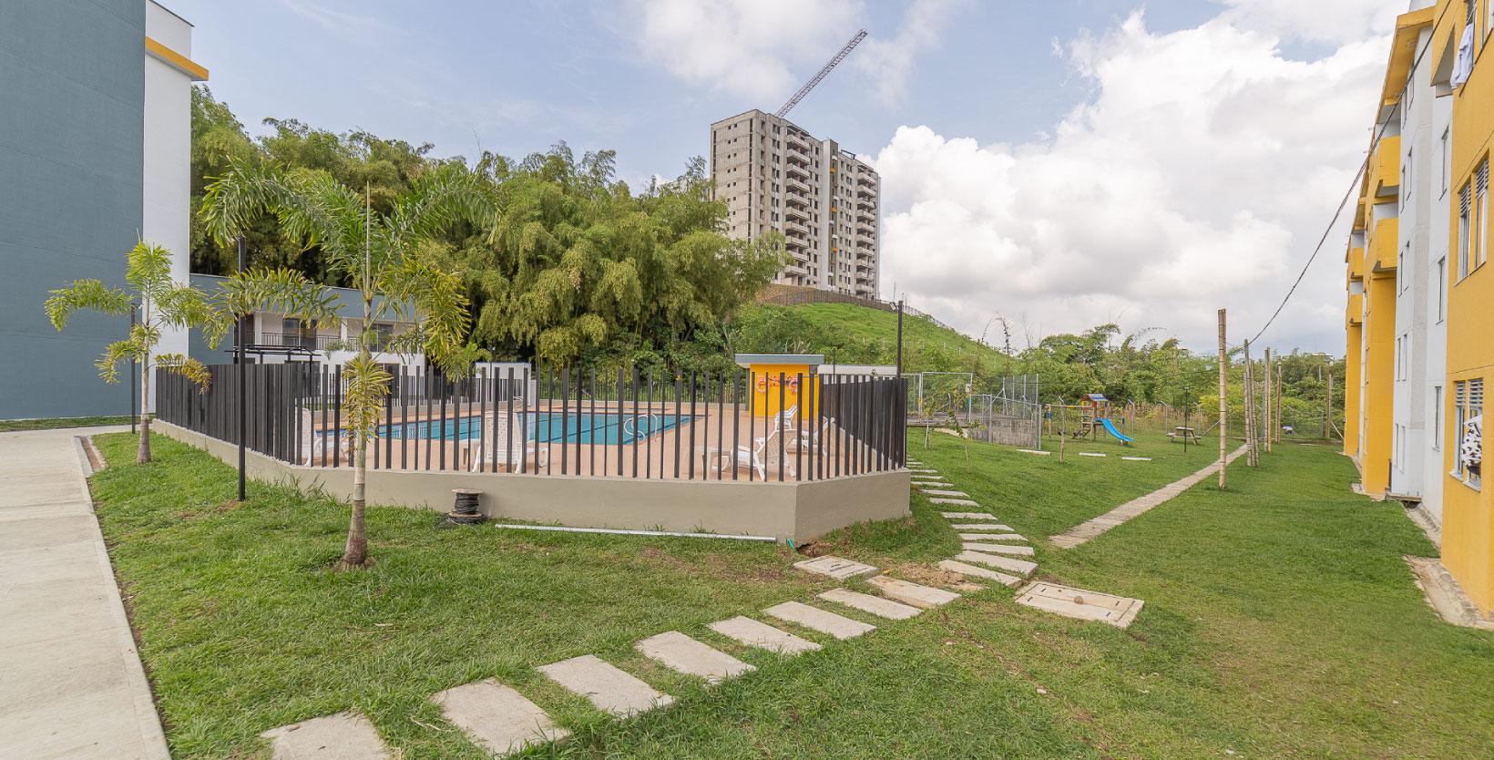Apartamento_Guaduales_zona_verde_piscina