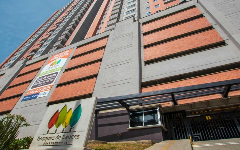 apartamentos_bosque_sauces_porteria_fachada
