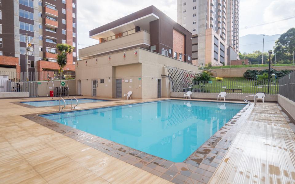 apartamentos_capella_zona_humeda_piscina