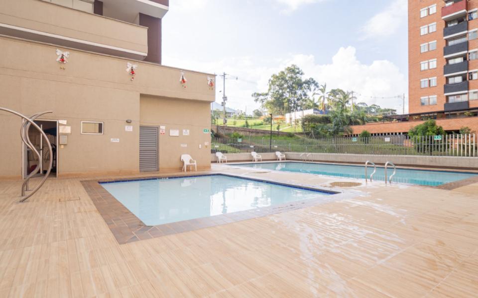 apartamentos_capella_zona_humeda_piscina_2