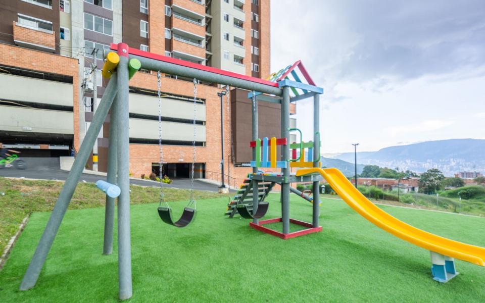 apartamentos_capella_zona_infantil